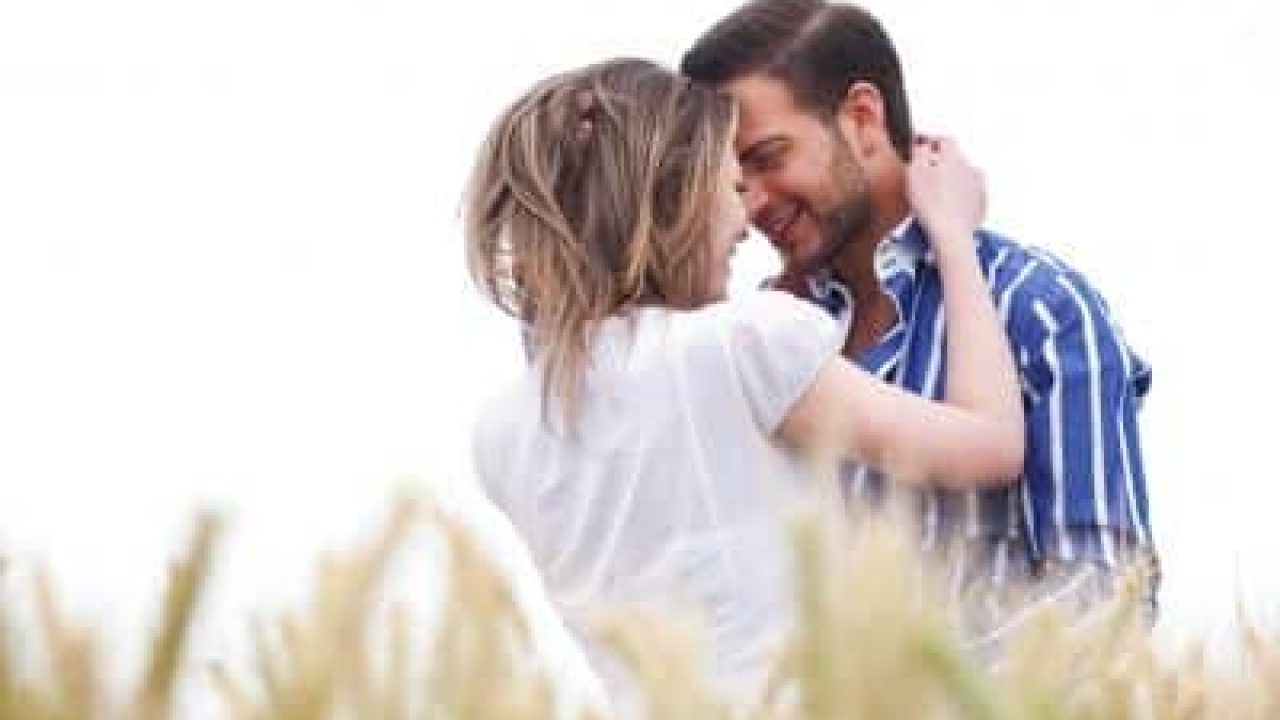 17Amazing Signs He Is Really In Love With You - relationshiptips4u