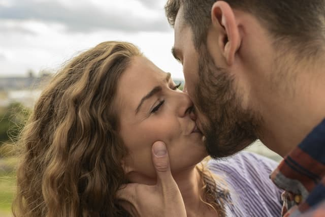 12 Proven Tips To Become A Better Kisser